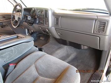 2004 Chevrolet Silverado 2500 LS Extended Cab - Photo 18 - Brighton, CO 80603