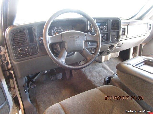 2004 Chevrolet Silverado 2500 LS Extended Cab - Photo 19 - Brighton, CO 80603