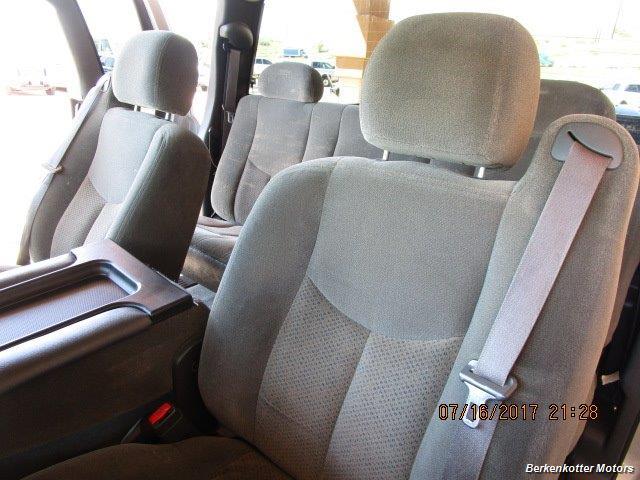 2004 Chevrolet Silverado 2500 LS Extended Cab - Photo 11 - Brighton, CO 80603