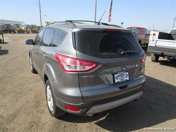 2013 Ford Escape SE AWD - Photo 5 - Brighton, CO 80603