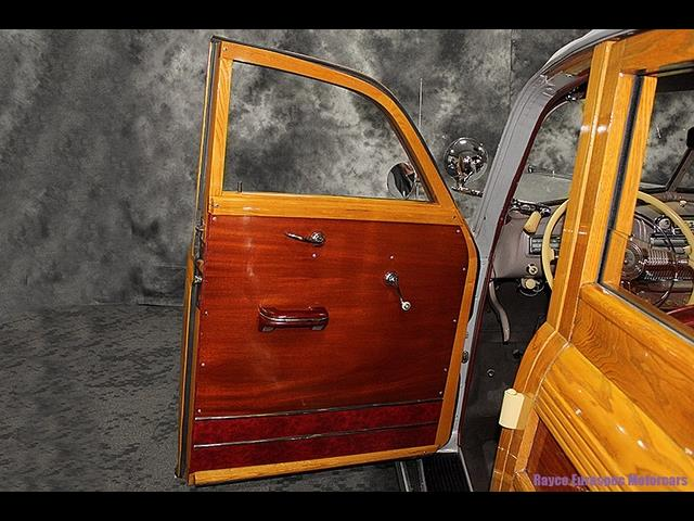 1947 Pontiac Streamliner Deluxe 8 Woody Station Wagon - Photo 25 - Kingston, PA 18704
