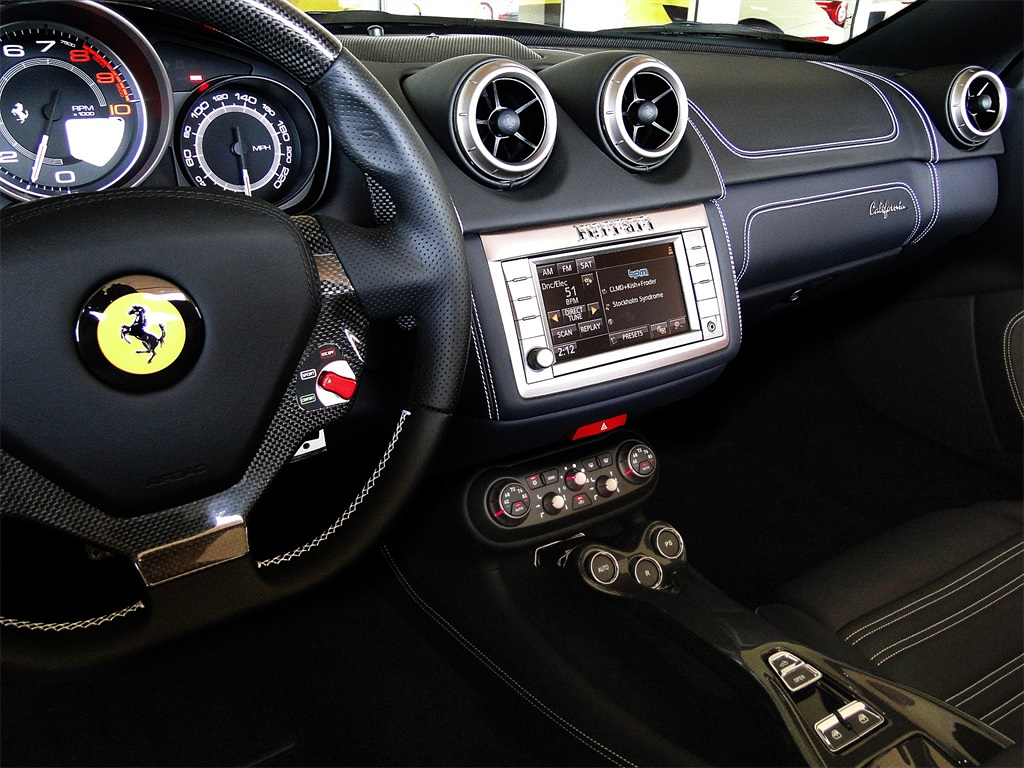 2014 Ferrari California - Photo 18 - Naples, FL 34104