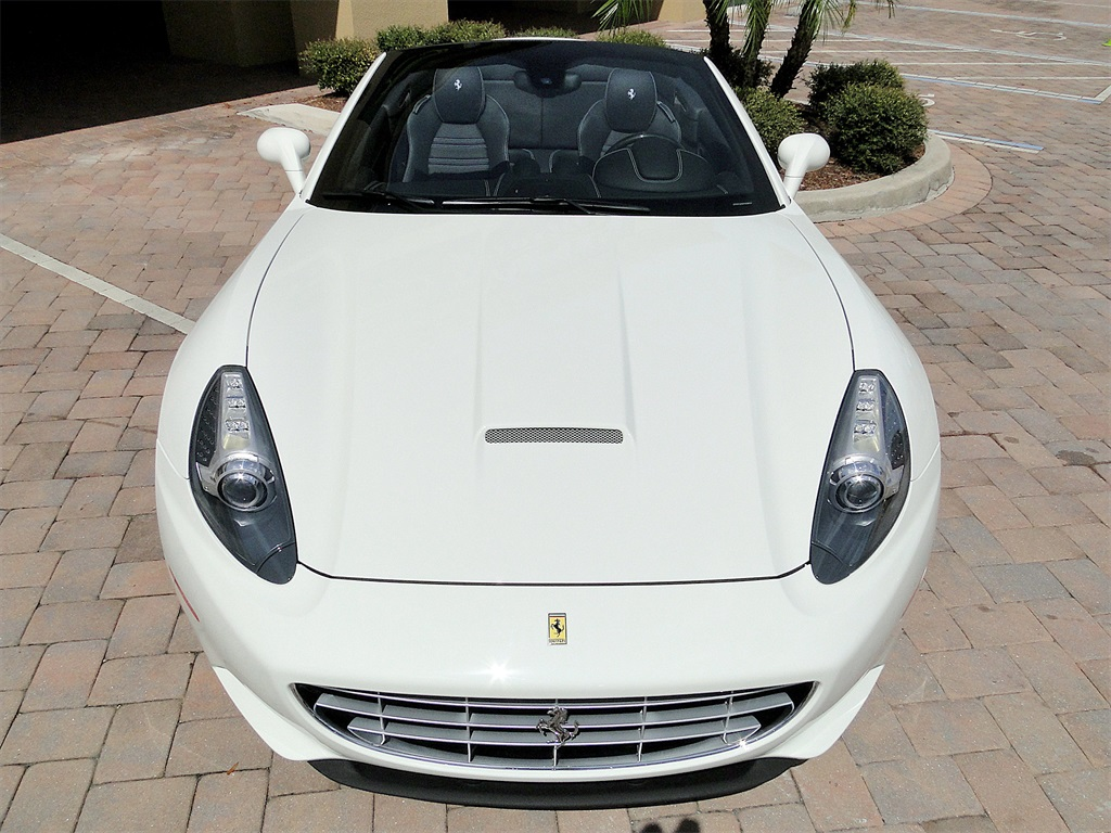 2014 Ferrari California - Photo 52 - Naples, FL 34104