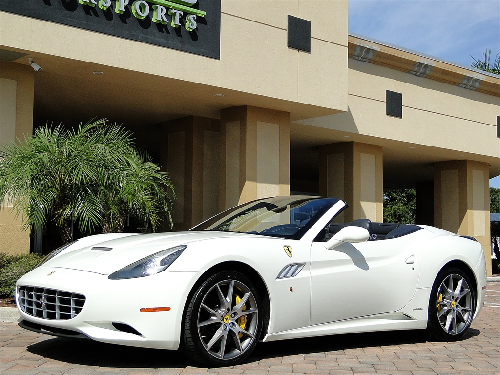 2014 Ferrari California - Photo 46 - Naples, FL 34104