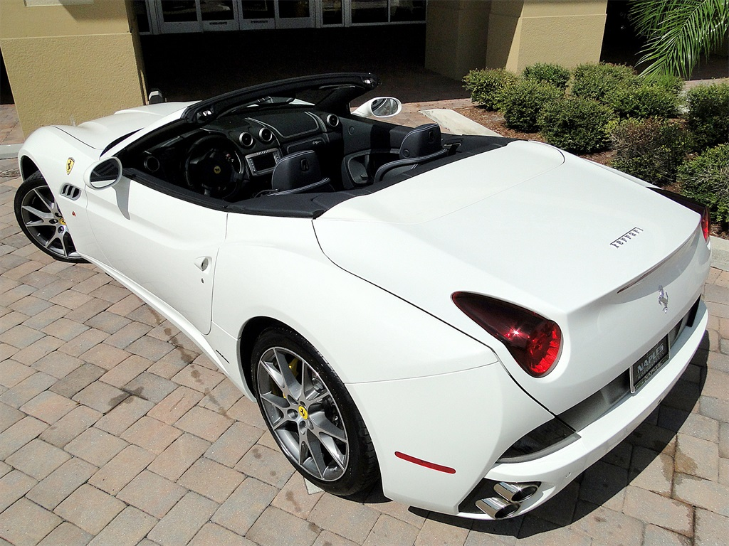 2014 Ferrari California - Photo 26 - Naples, FL 34104