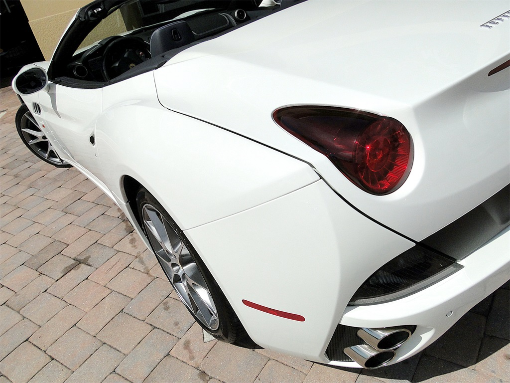 2014 Ferrari California - Photo 47 - Naples, FL 34104