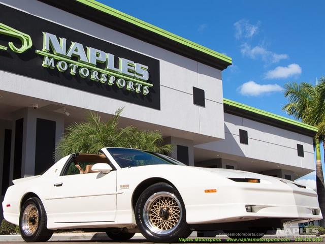 1989 Pontiac Firebird Turbo Trans Am - Photo 1 - Naples, FL 34104