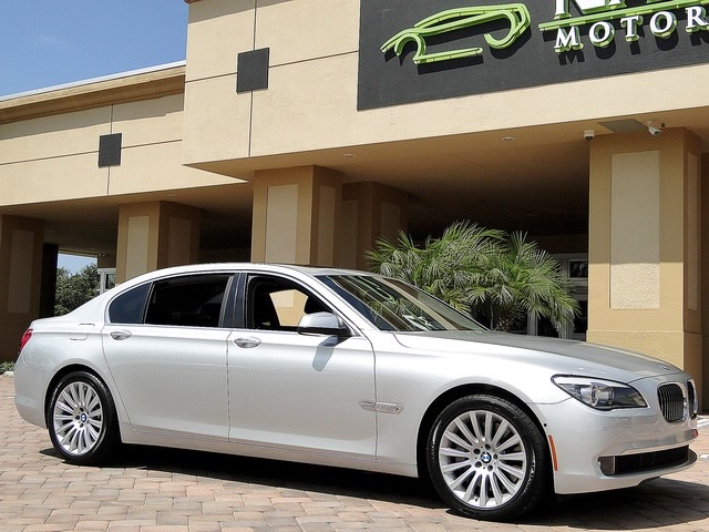 2010 BMW 750Lxi - Photo 28 - Naples, FL 34104