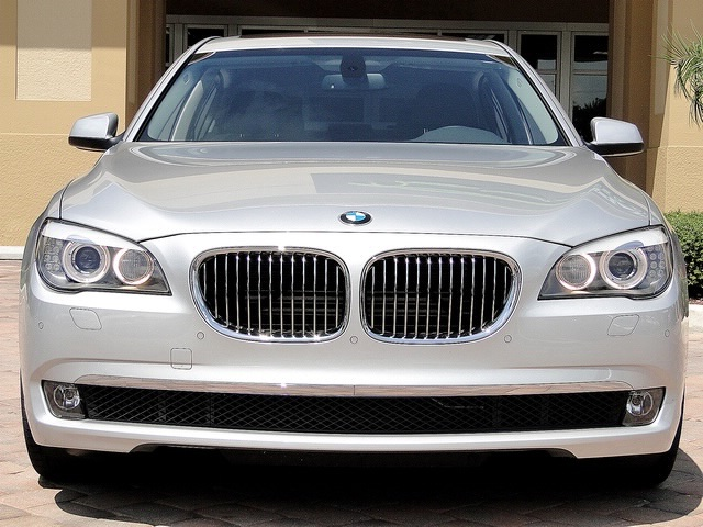 2010 BMW 750Lxi - Photo 5 - Naples, FL 34104