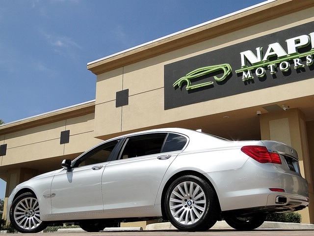 2010 BMW 750Lxi - Photo 43 - Naples, FL 34104
