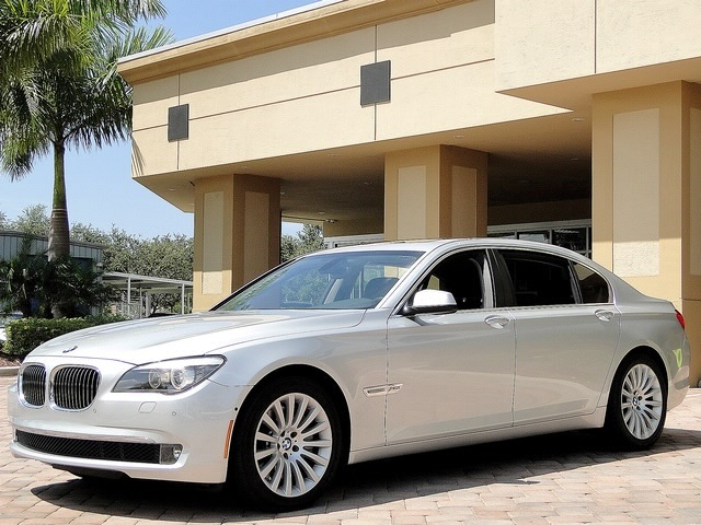 2010 BMW 750Lxi - Photo 23 - Naples, FL 34104