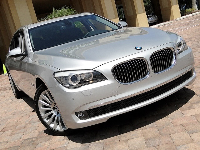 2010 BMW 750Lxi - Photo 16 - Naples, FL 34104