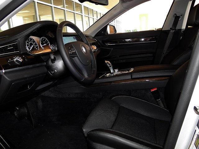 2010 BMW 750Lxi - Photo 55 - Naples, FL 34104