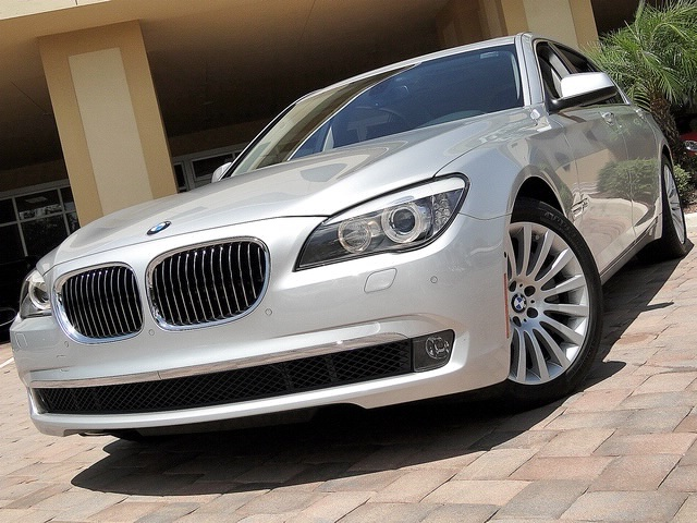 2010 BMW 750Lxi - Photo 25 - Naples, FL 34104