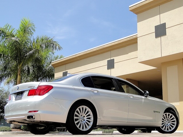 2010 BMW 750Lxi - Photo 32 - Naples, FL 34104