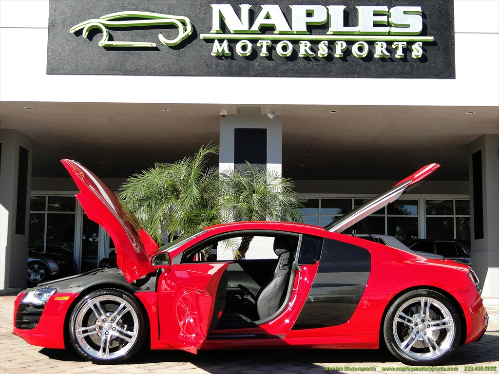2011 Audi R8 5.2 quattro - Photo 13 - Naples, FL 34104