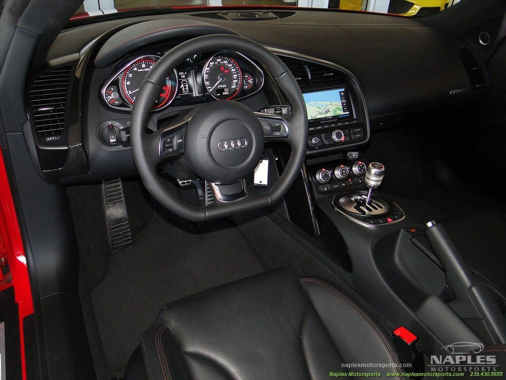 2011 Audi R8 5.2 quattro - Photo 32 - Naples, FL 34104