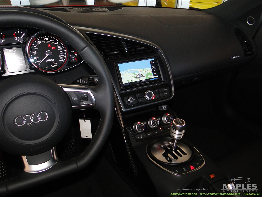 2011 Audi R8 5.2 quattro - Photo 49 - Naples, FL 34104