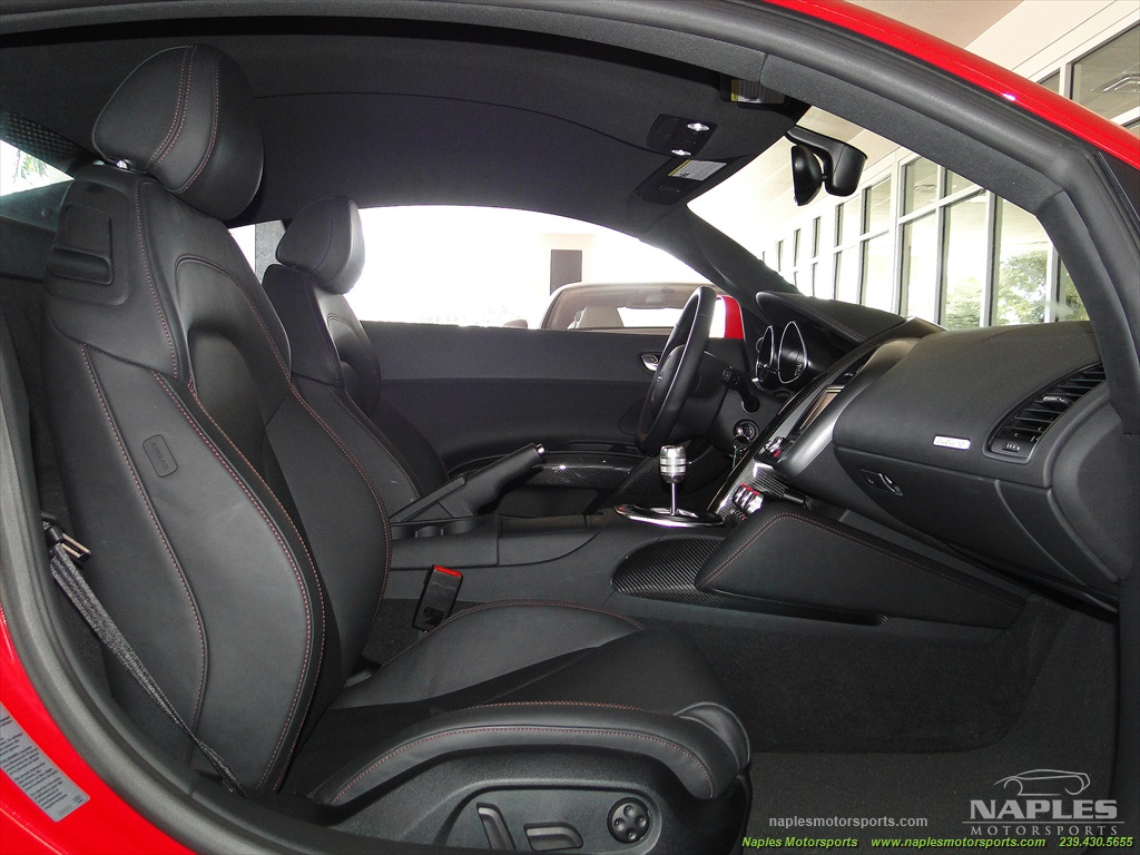 2011 Audi R8 5.2 quattro - Photo 34 - Naples, FL 34104