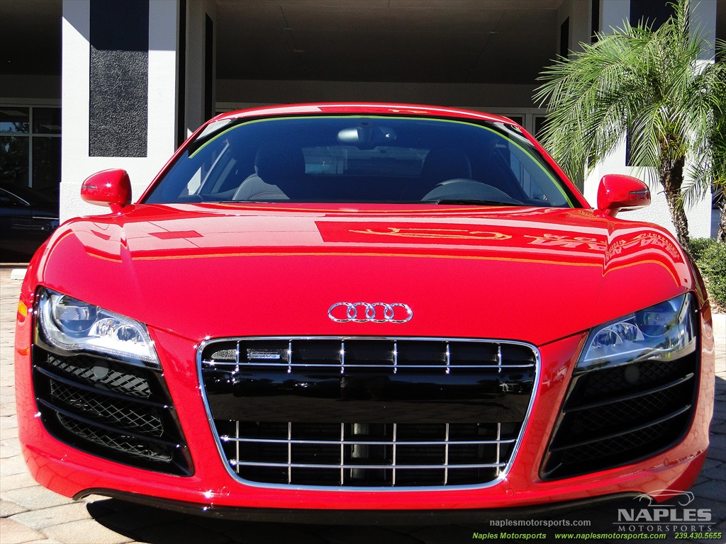 2011 Audi R8 5.2 quattro - Photo 9 - Naples, FL 34104