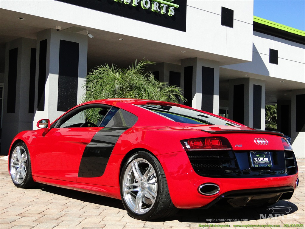 2011 Audi R8 5.2 quattro - Photo 43 - Naples, FL 34104