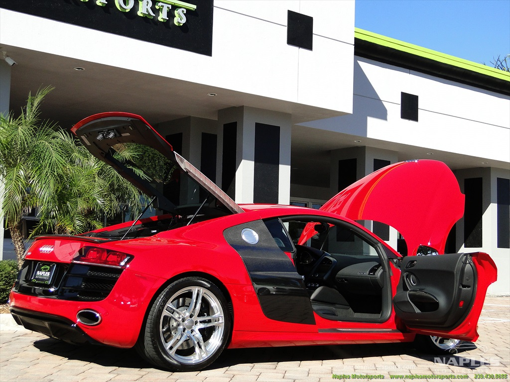 2011 Audi R8 5.2 quattro - Photo 33 - Naples, FL 34104