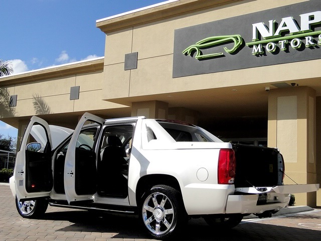 2008 Cadillac Escalade EXT - Photo 25 - Naples, FL 34104