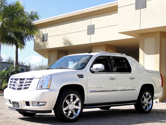 2008 Cadillac Escalade EXT - Photo 23 - Naples, FL 34104