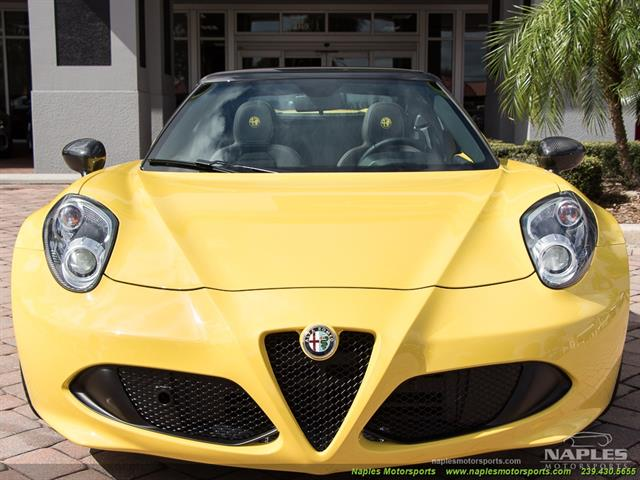 2015 Alfa Romeo Spider 4c - Photo 3 - Naples, FL 34104