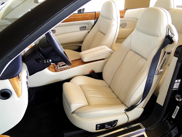2007 Bentley Azure - Photo 24 - Naples, FL 34104