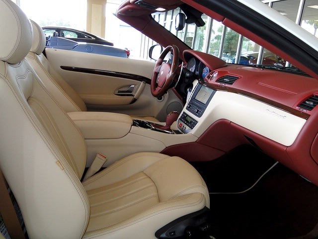 2012 Maserati Gran Turismo Convertible - Photo 25 - Naples, FL 34104