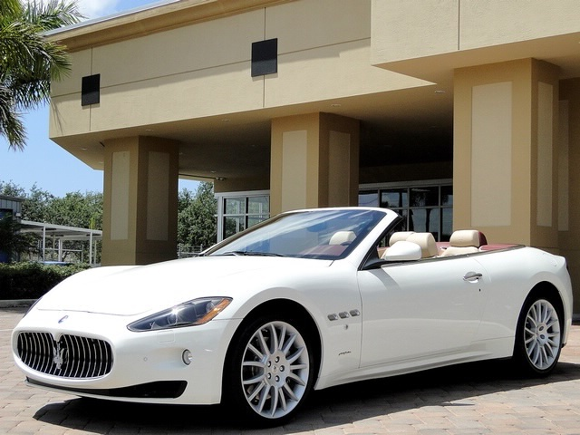2012 Maserati Gran Turismo Convertible - Photo 49 - Naples, FL 34104