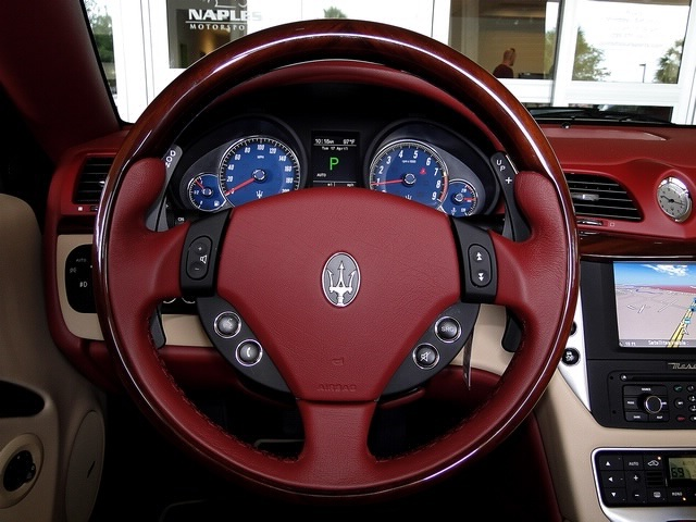 2012 Maserati Gran Turismo Convertible - Photo 5 - Naples, FL 34104