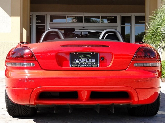 2003 Dodge Viper SRT-10 - Photo 58 - Naples, FL 34104