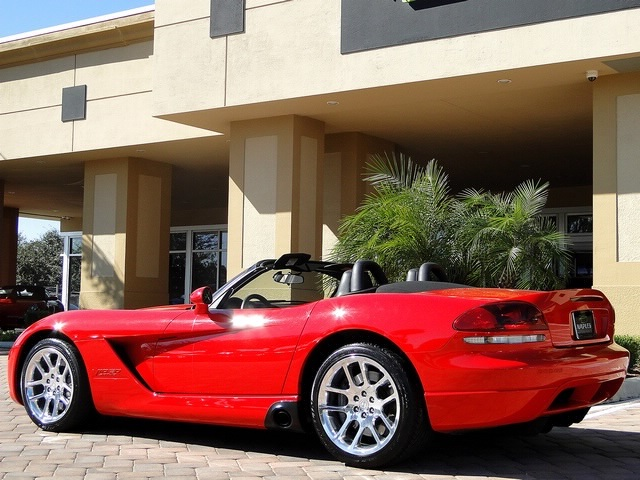 2003 Dodge Viper SRT-10 - Photo 29 - Naples, FL 34104