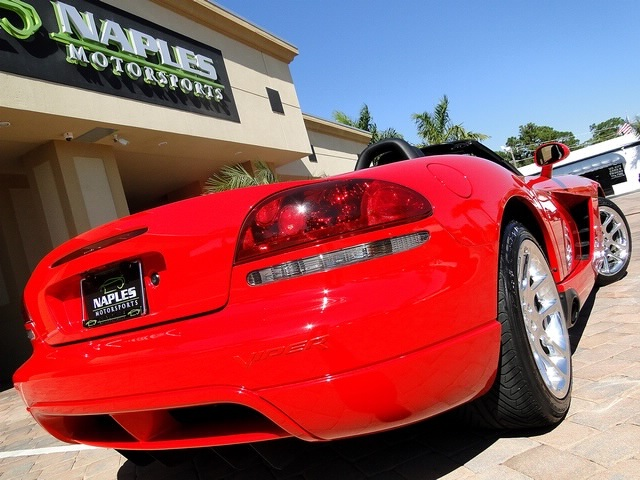 2003 Dodge Viper SRT-10 - Photo 33 - Naples, FL 34104