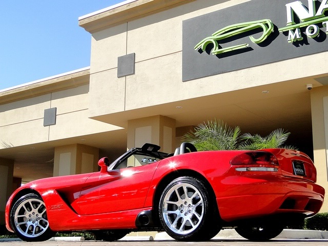 2003 Dodge Viper SRT-10 - Photo 32 - Naples, FL 34104