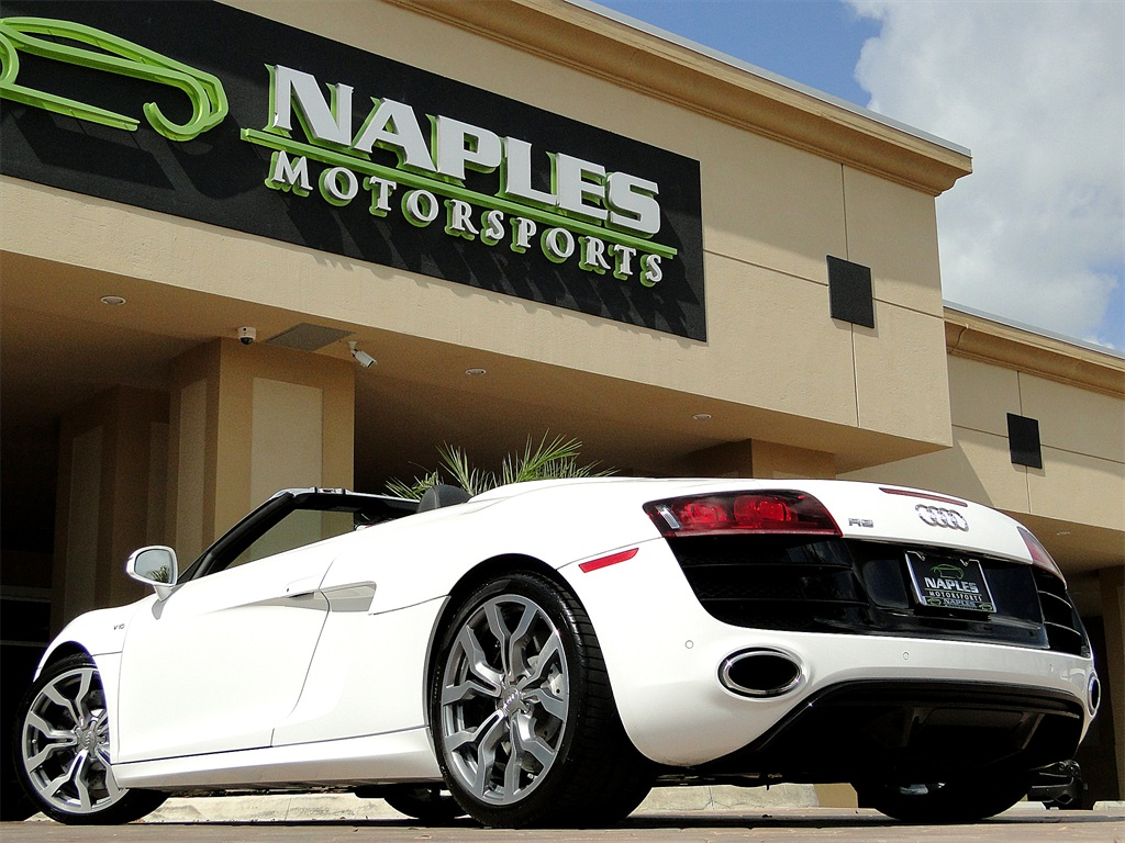2011 Audi R8 5.2 quattro Spyder - Photo 52 - Naples, FL 34104
