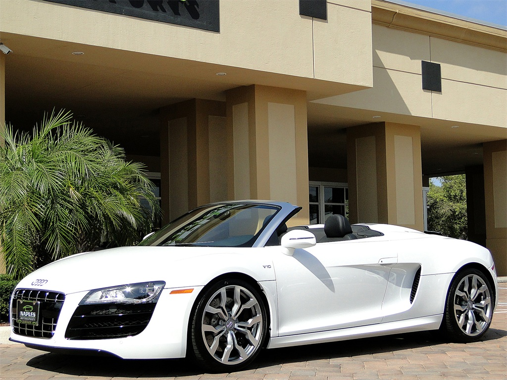 2011 Audi R8 5.2 quattro Spyder - Photo 38 - Naples, FL 34104