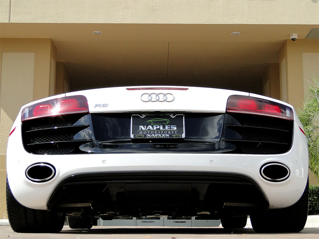 2011 Audi R8 5.2 quattro Spyder - Photo 44 - Naples, FL 34104