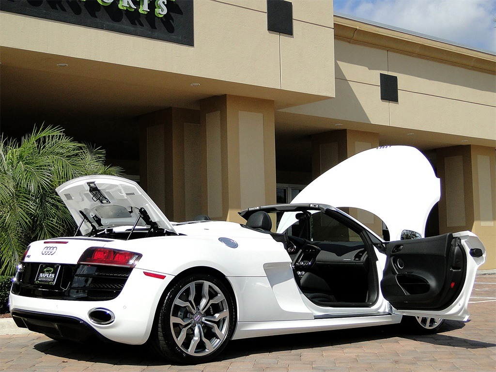 2011 Audi R8 5.2 quattro Spyder - Photo 32 - Naples, FL 34104