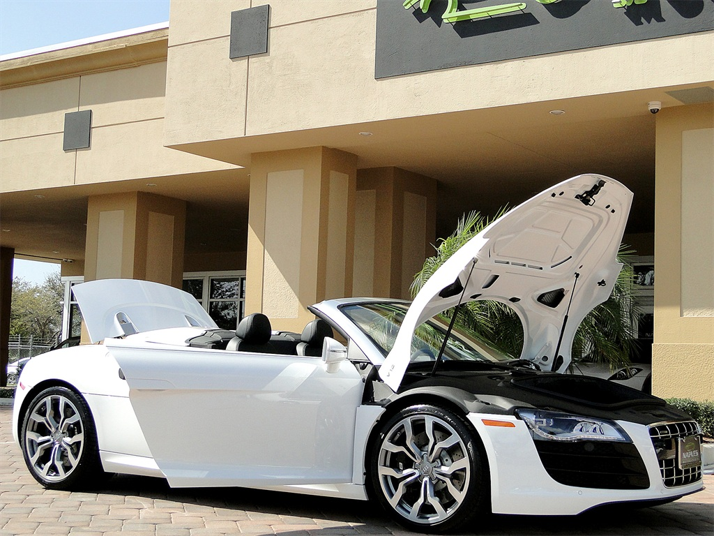 2011 Audi R8 5.2 quattro Spyder - Photo 34 - Naples, FL 34104