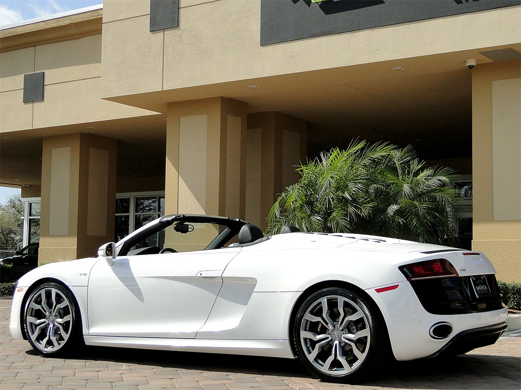 2011 Audi R8 5.2 quattro Spyder - Photo 40 - Naples, FL 34104