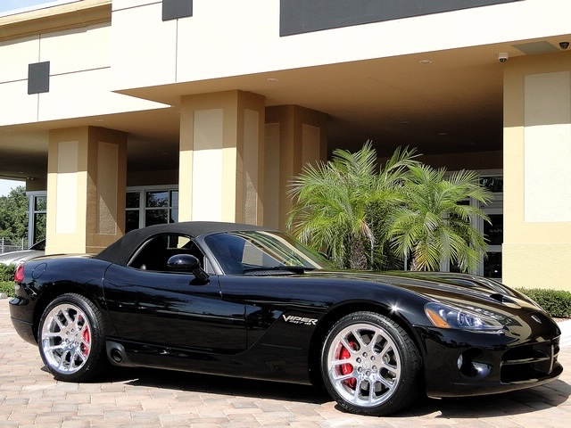 2005 Dodge Viper SRT-10 - Photo 18 - Naples, FL 34104