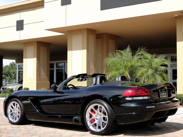 2005 Dodge Viper SRT-10 - Photo 5 - Naples, FL 34104
