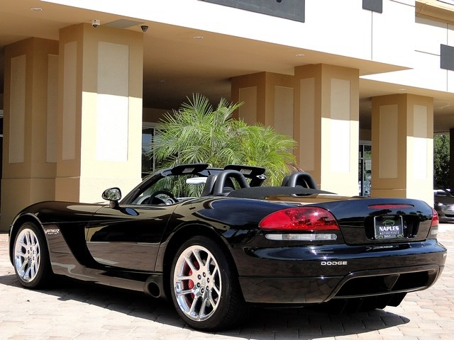 2005 Dodge Viper SRT-10 - Photo 43 - Naples, FL 34104