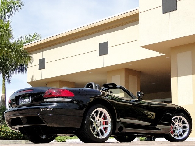 2005 Dodge Viper SRT-10 - Photo 47 - Naples, FL 34104