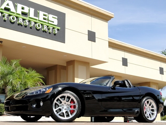 2005 Dodge Viper SRT-10 - Photo 37 - Naples, FL 34104