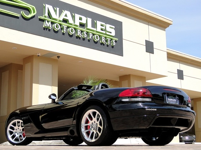 2005 Dodge Viper SRT-10 - Photo 46 - Naples, FL 34104