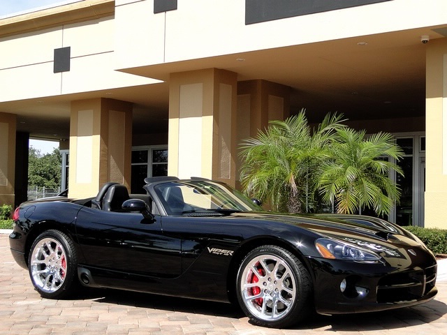 2005 Dodge Viper SRT-10 - Photo 3 - Naples, FL 34104